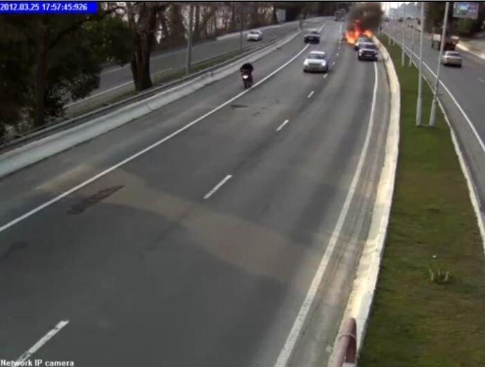 Учитель на дороге устроил аварию с пожаром (4 фото+видео)