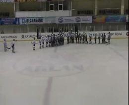 Драка в хоккеи началась до начала самой игры