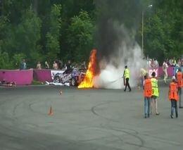 Дрифт закончился аварией и пожаром
