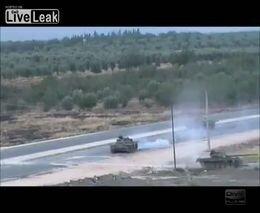 Танк Т-72 подорвался на мине