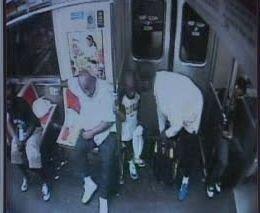 Кровавый случай в метро,или жуткий маньяк.