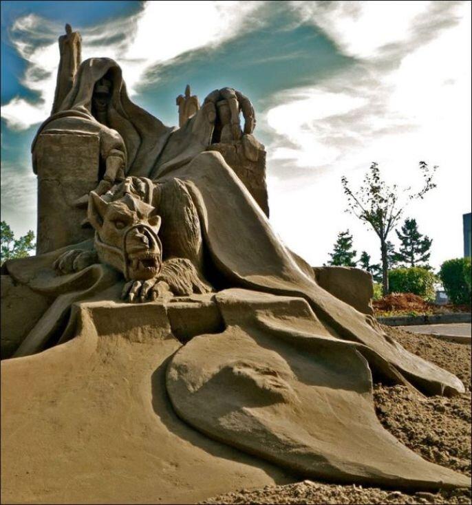 Extremely Impressive Artistic Sand Sculptures
