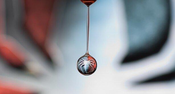 Woah! Cool Droplet photography.