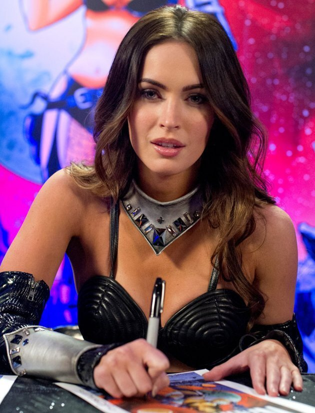 Megan Fox Flaunts Her Curves On Bryan Austin Green's New Show от mick за 15 nov 2012