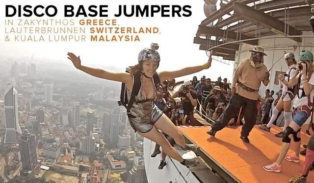 Disco Base Jumpers Decorate the Skies от Marinara за 02 feb 2013