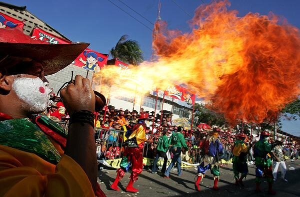 Float Catches Fire and Kills Four People at Brazilian Carnival in Sao Paulo