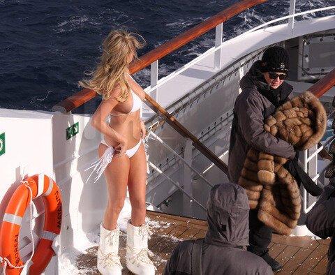 Kate Upton's Body Shuts Down after Antarctica Shoot  от Cassandra за 12 feb 2013