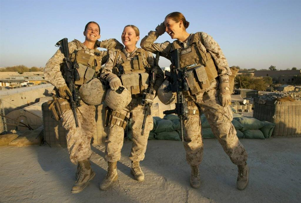 Female Marines - Hot & Tough (10 Pics)