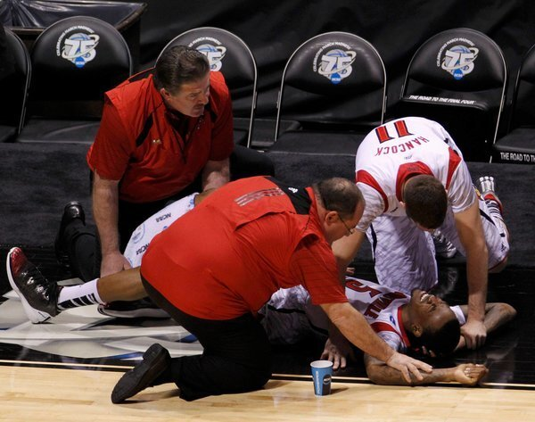 Gruesome Injury For Louisville Cardinals Player, Kevin Ware, Spurs Very Emotional Reaction During Sunday's Game