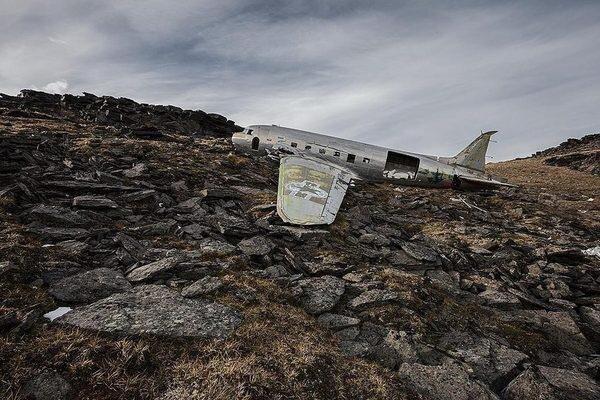 """Happy End"" - Photos Of Aircraft Crash Sites Where No One Died от Marinara за 24 apr 2013"