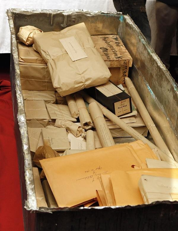 100 Years Old Time Capsule in Oklahoma City Reveals Pristine Artifacts от Marinara за 24 may 2013