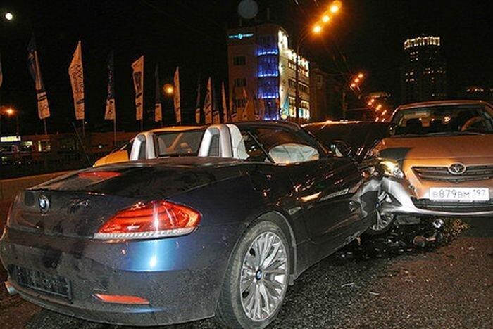 Нетрезвый священник на BMW Z4 устроил аварию в Москве (фото+видео)