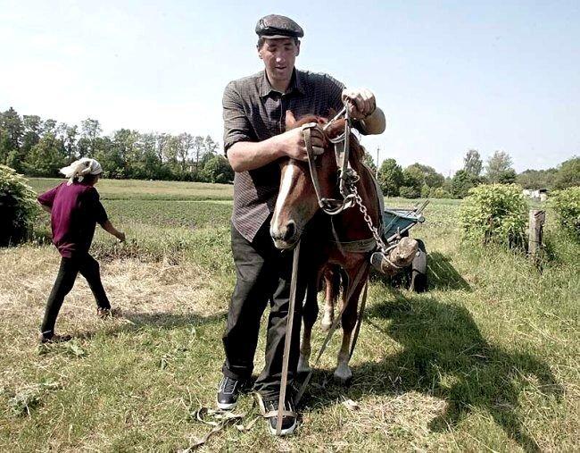 Самым высоким человеком в мире признан житель Украины (15 фото + видео)
