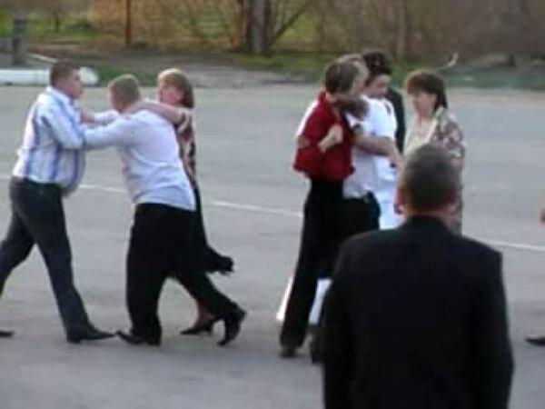 Драка на свадьбе (видео)