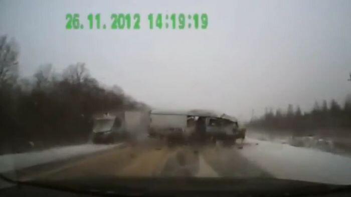 Авария дня часть 832 (фото+видео)