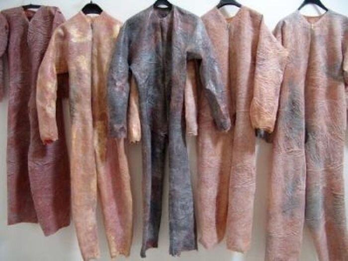 Использование человеческой кожи (11 фото)