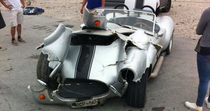 Как и чем отремонтировать эту машину? (2 фото)