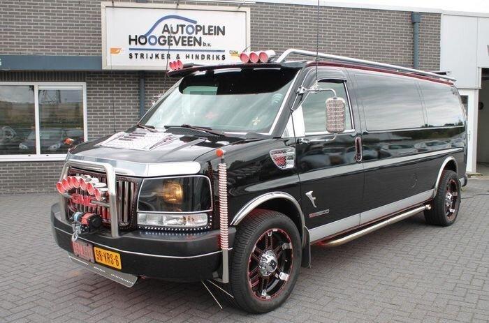 Автобус для апокалипсиса (23 фото)