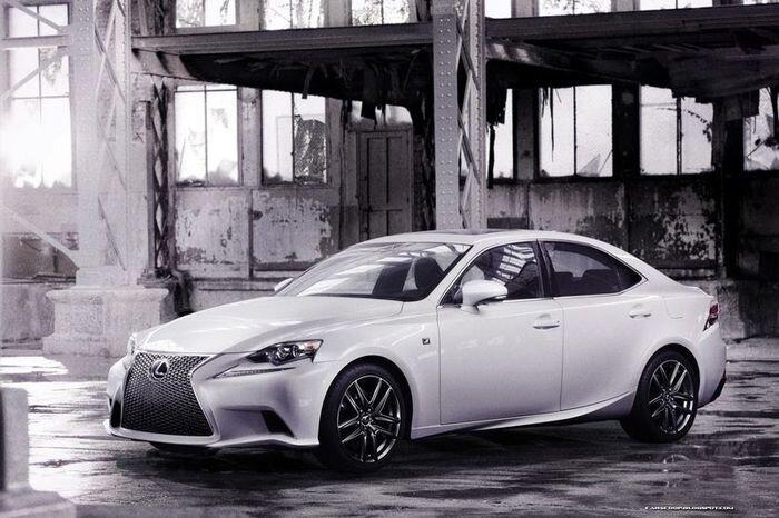 Первые фотографии нового Lexus IS - третьего поколения (23 фото)