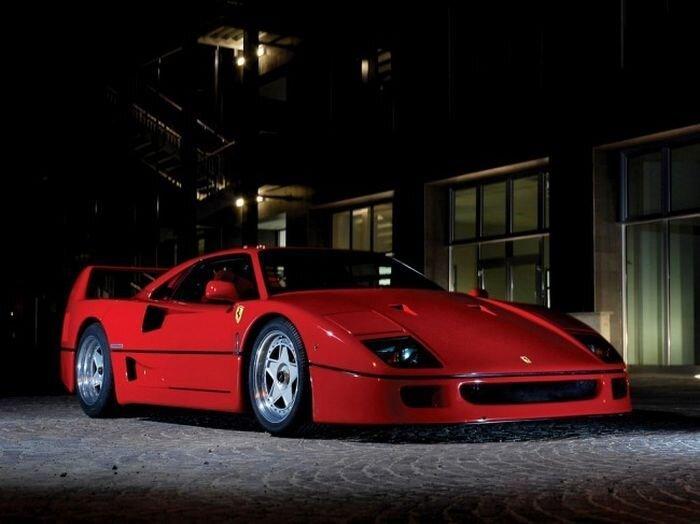Страничка истории. Легендарный суперкар Ferrari F40 (9 фото+видео)