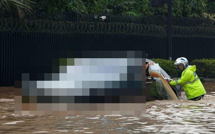 Очень дорогая ванна из Джакарты (12 фото+видео)