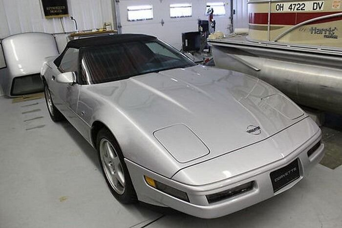 Найдено на Ebay. Chevrolet Corvette Convertible с пробегом в 622 мили (23 фото)