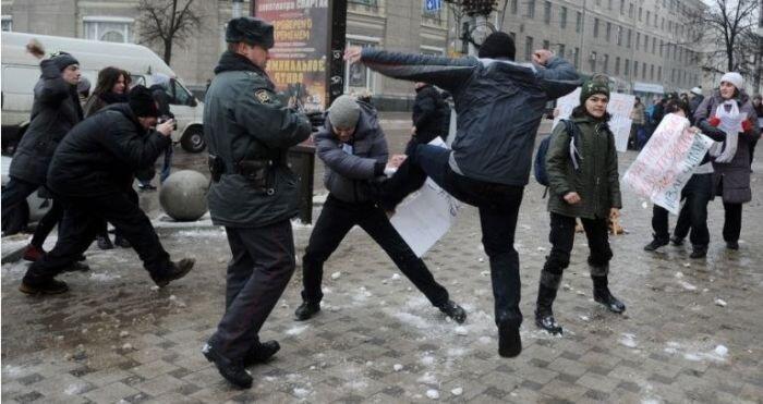 """Протест против закона о запрете """"пропаганды гомосексуализма"""" прошел не по плану (17 фото)"""