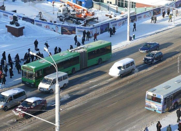 Самый ленивый водитель этой зимы (2 фото)