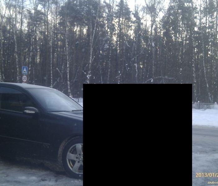Очередная месть за неправильную парковку (2 фото)