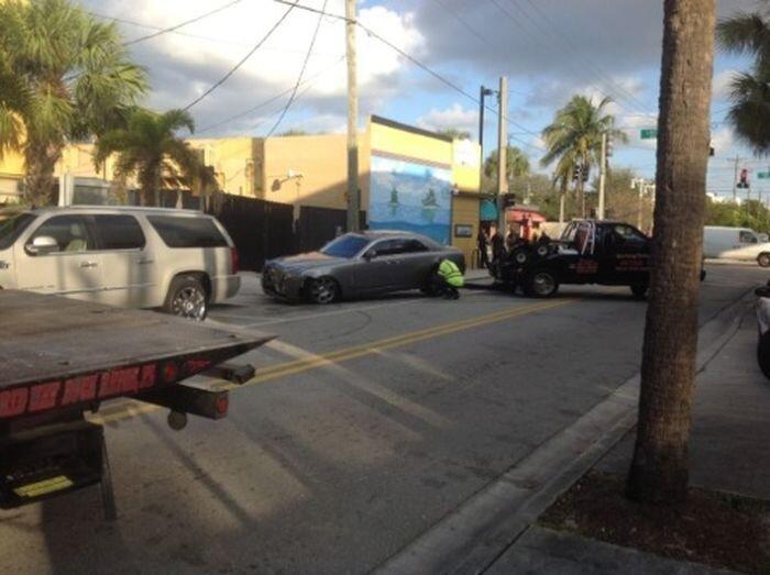 Рэпер Rick Ross разбил свой Rolls-Royce после покушения (7 фото)