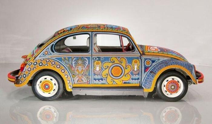 Volkswagen Beetle целиком покрытый бисером (7 фото)