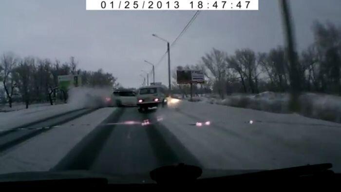 Авария дня часть 902 (4 фото+видео)