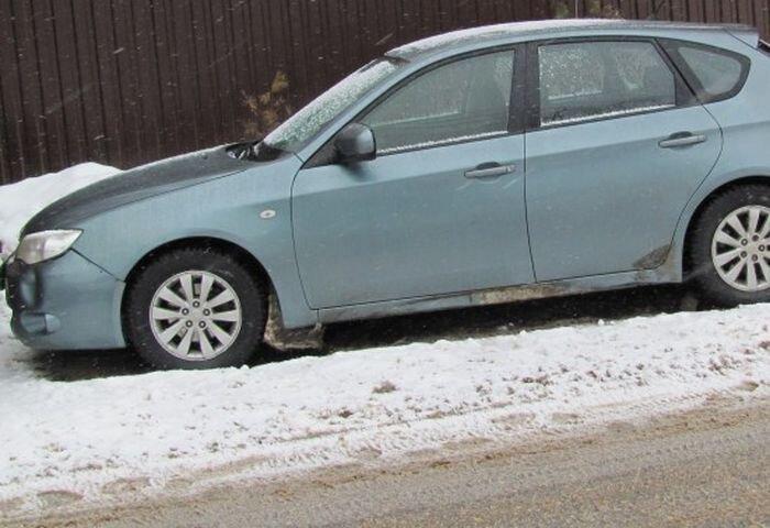 Как угнать эту Subaru? (2 фото)
