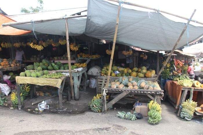 Продуктовый рынок в Индонезии (4 фото)