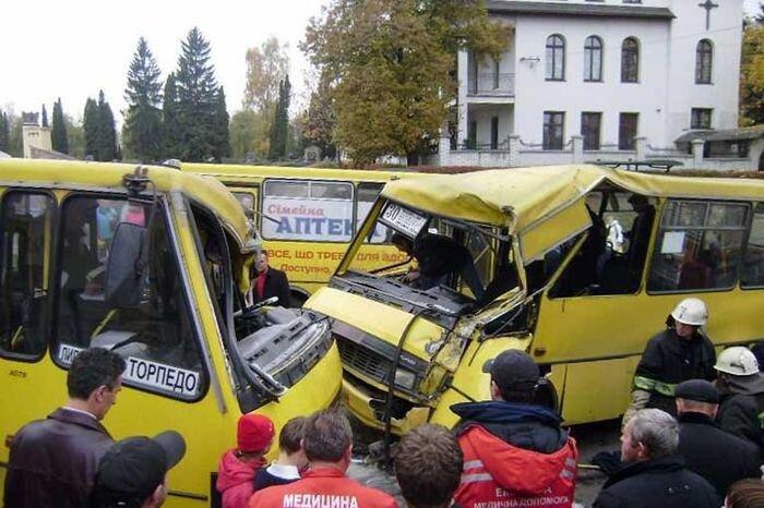 Подборка аварий с автобусами (видео)