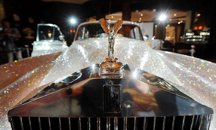 Более миллиона кристаллов Swarovski на Rolls-Royce Silver Cloud (6 фото+видео)
