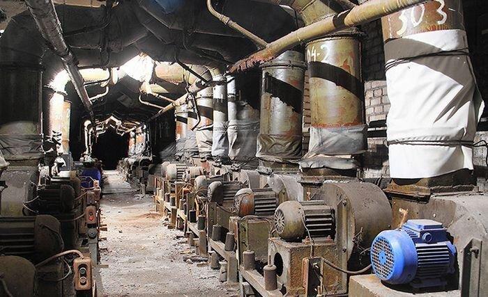 Заброшенная химическая лаборатория (25 фото)