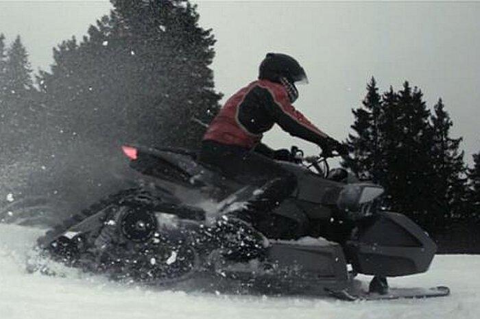 Бешеный снегоход от Людовика Лазарета