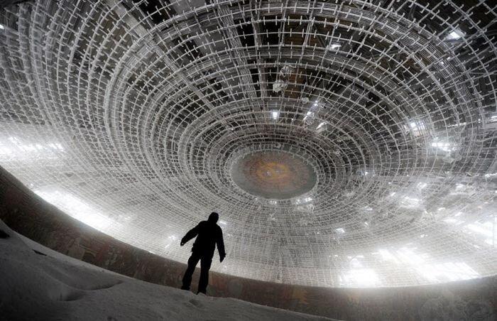 Бузлуджа — мистический памятник коммунизму (24 фото)