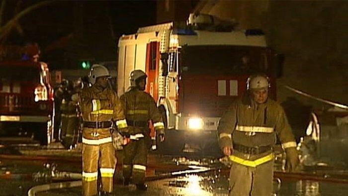 Возгорание жилого дома в Минске (2 видео)