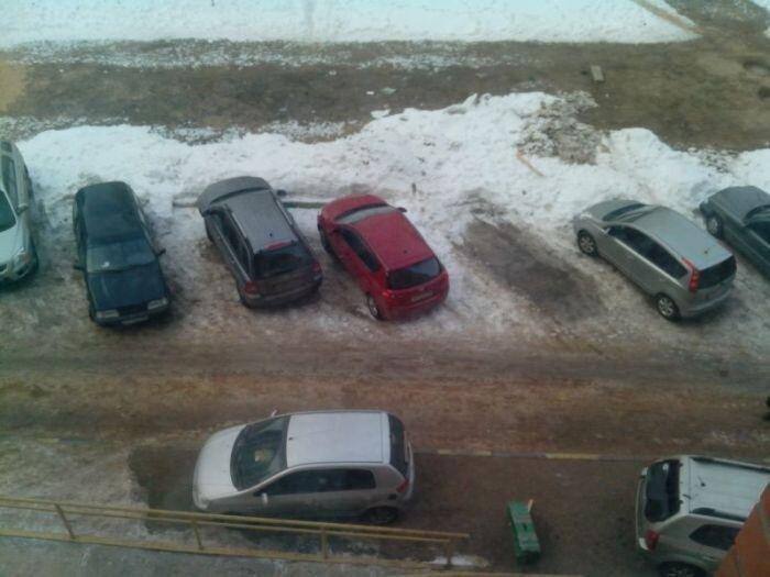 Месть за неудачную парковку во дворе (7 фото)