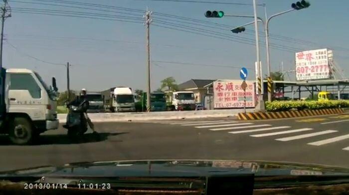 Авария дня часть 951 (фото+видео)