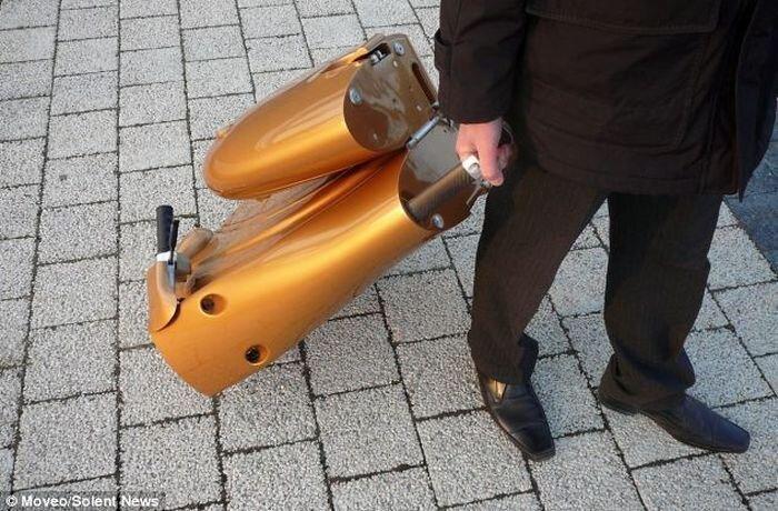 Скутер, который всегда с тобой (7 фото)