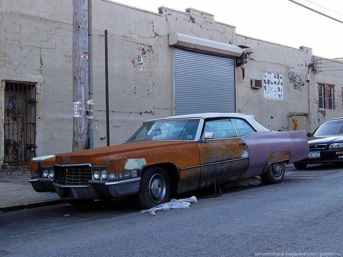Старые автомобили на улицах Нью-Йорка. Часть 3 (35 фото)