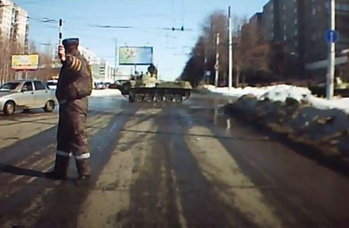 Российскую армию боятся за непредсказуемость (1 видео)