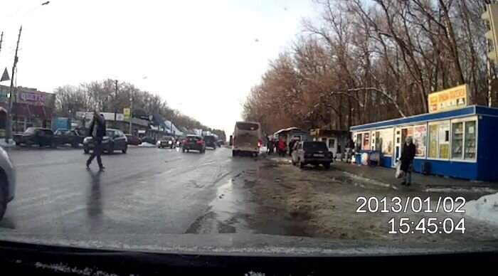 Оборзевший пешеход! (видео)