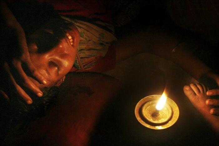 Роды в трущобах Бангладеша (12 фото)