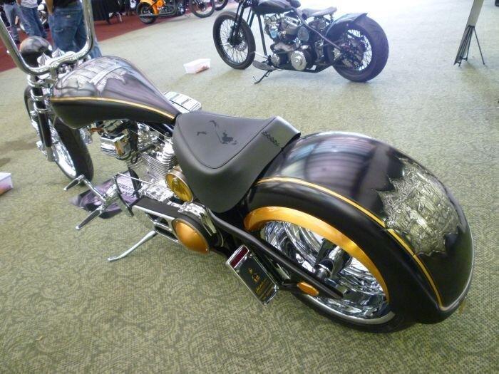 Эксклюзивный тюнинг мотоциклов (21 фото)