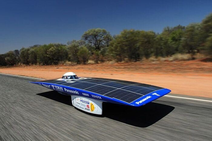 Гоночные автомобили на солнечных батареях (22 фото)
