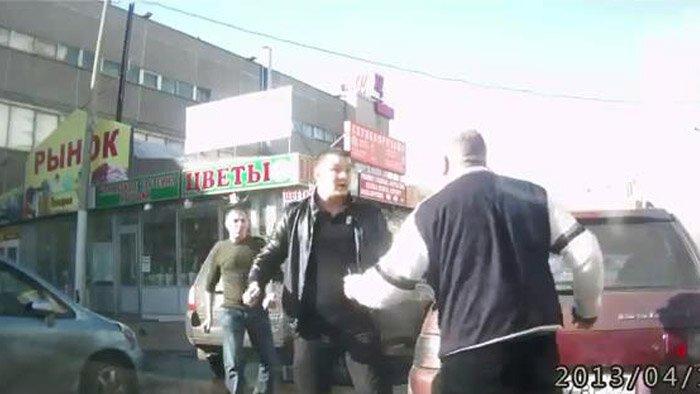Конфликт на дороге (Фото+видео)